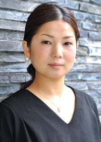 山崎 梨恵子